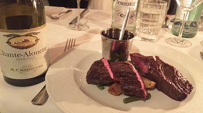 Der französische Traumwein hat natürlich seinen Preis: ca. 100 € im Chez Fiz