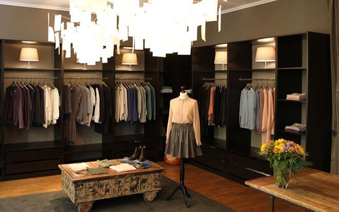 trouve bel ist ein Laden, der wie ein Wohnzimmer oder begehbarer Kleiderschrank gestaltet ist
