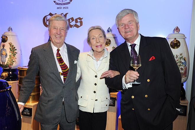 Albert Darboven mit seiner Frau Edda und Prof. Dr. Georg Prinz zur Lippe vom Weingut Schloss Proschwitz. Fotocredit: BrauerPhotos, G. Nitschke