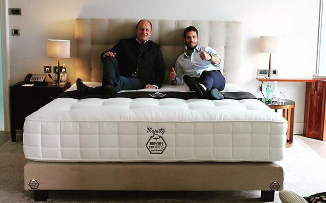 In der Präsidenten-Suite vom Rocco Forte Hotel München kann man bereits in einem 'Seven Nights'-Bett übernachten.