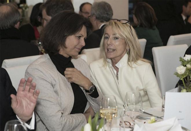 Treffen der Medienmacher bei der VZB Jahrestagung mit Ilse Aigner mit Waltraut von Mengden. Fotocredit: Bettina Theisinger