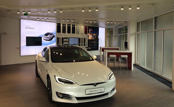 Mit Tesla Grünwald wird Münchens Nobelvorort jetzt auch zur Elektro Car City!