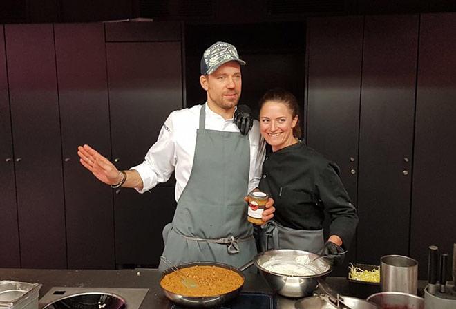 Auch Franzi und Andi Schweiger gehen gut essen. Jetzt gibt es ab und zu ein Gourmistas-Gericht aus dem Glas. Fotocredit: Alex Bachinger