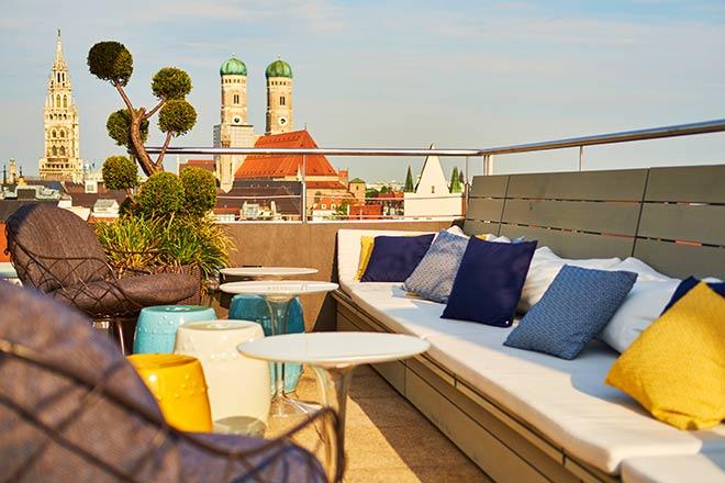Unschlagbar gemütlich! Die Dachterrasse des Mandarin Oriental München ist fünf Monate im Jahr geöffnet. Fotocredit: Markus Hoffmann