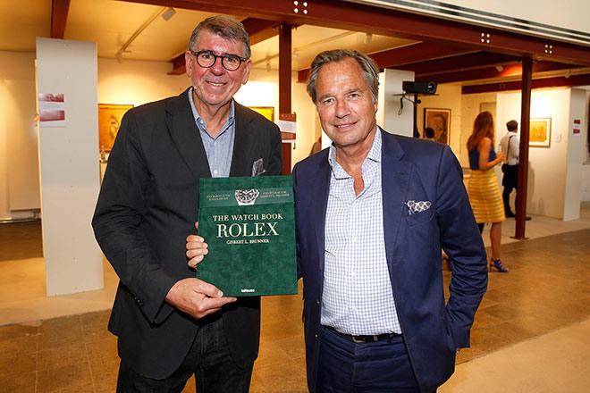 """""""Mit diesem Rolex Buch stellt Gisbert L. Brunner erstmals mit bislang unveröffentlichten Texten und Fotos die Geschichte von Rolex umfassend vor"""", so Verleger Hendrik teNeues, der im MUCA neuerdings mit einem eigenen Book-Shop vertreten ist."""