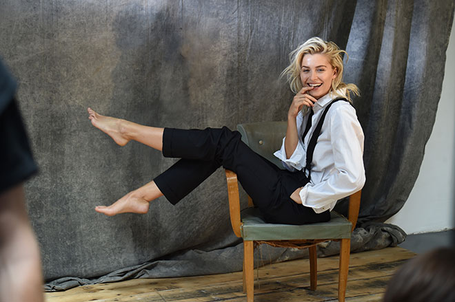 Mannomann... Top-Model Lena Gercke mega-hot in Herren-Kleidung. Fotocredit: Starpress