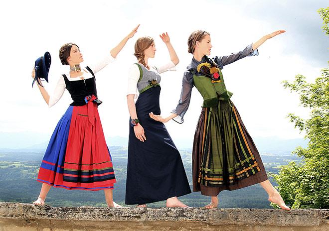 Zeitlose Tracht von der Münchner Designerin Michaela Keune, welche man das ganze Jahr bis zur nächsten Wiesn tragen kann!