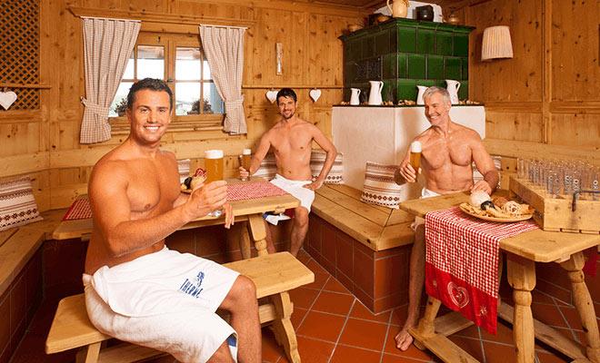 Die Zirbelstube hat die Funktion einer Spa-Bar, wie man sie aus Luxus-Hotels kennt.