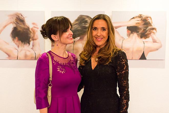 Kunst-Historikerin Dr. Sonja Lechner mit Gastgeberin Susanne Gräfin von Moltke luden zum Kunst Highkight am Tegernsee.