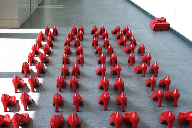 'Mit roten Schuhen', Foto von Mehtap Baydu