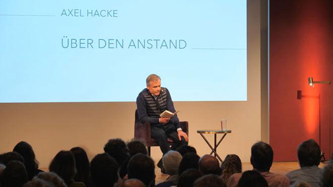 Einer der Ethik Konferenz Referenten: Autor Axel Hacke