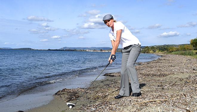 Was viele nicht wissen: Giulia Siegel lernte das Golfspiel bereits in ihrer Jugend! Fotocredit: Wolfgang Breiteneicher, SchneiderPress