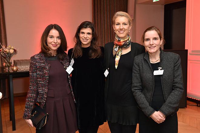 Julia Schygulla, Magdalena Oehl, Katharina Jünger und Dr. Henriette Picot. Fotocredit: Hannes Magerstaedt