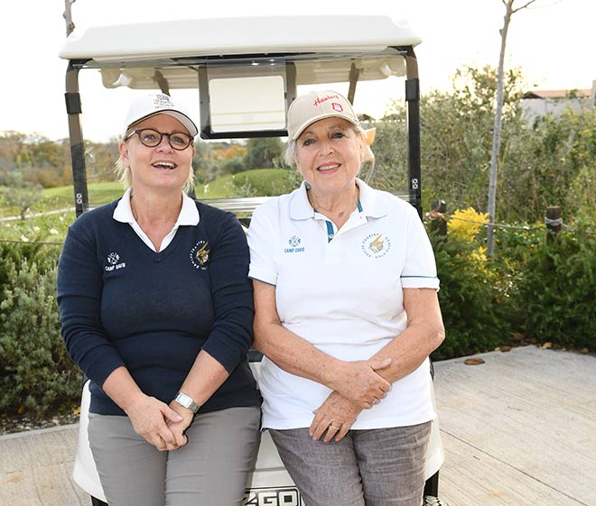 Man kennt sie ja aus der Lindenstraße. Das beide Schauspielerinnen leidenschaftliche Golferinnen sind, weiß kaum jemand! Fotocredit: Wolfgang Breiteneicher, SchneiderPress