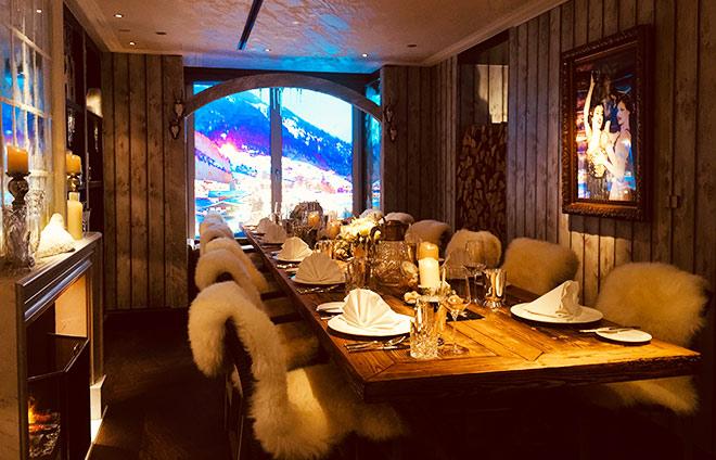 Bis 15. Januar 2018 hat das Mandarin Oriental ein Chalet in der Bar31 mit eigenem Eingang. Platz für ca. 18 Personen.
