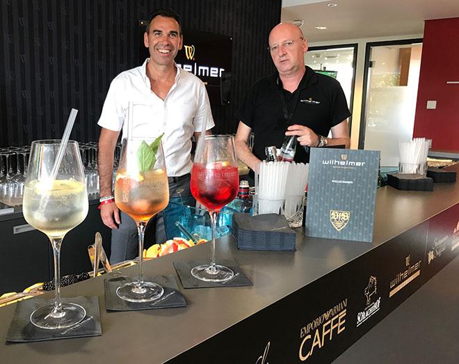 Gastronom Michael Wilhelmer mit Gin Sommelier Marius Breitenberger