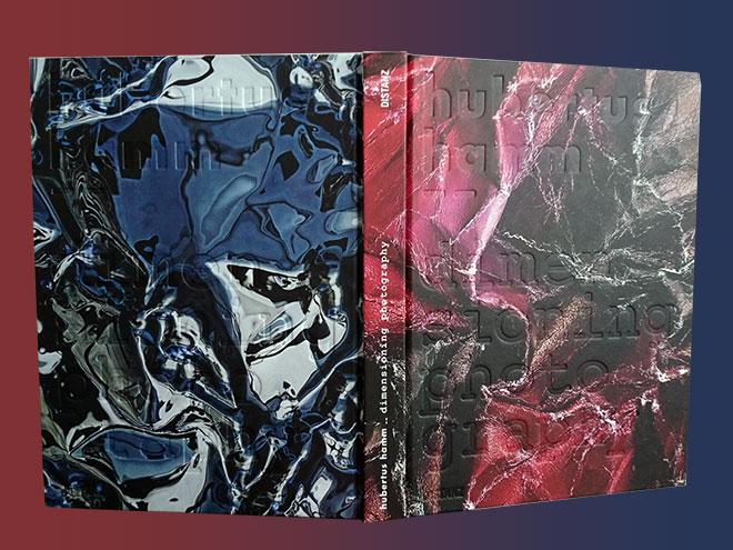 In diesem Buch fasst Hubertus Hamm seine Werke und seinen selbst ernannten Kunstbegriff 'Dimensioning Photography' zum ersten Mal zusammen.