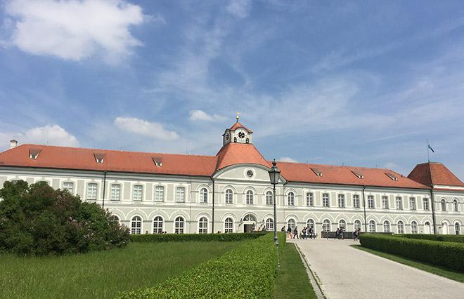 Im nördlichen Flügel von Schloss Nymphenburg ist der Hubertussaal, welcher bereits im 18. Jhd. der Konzertsaal der Wittelsbacher war. Am Valentinstag ein magischer Ort