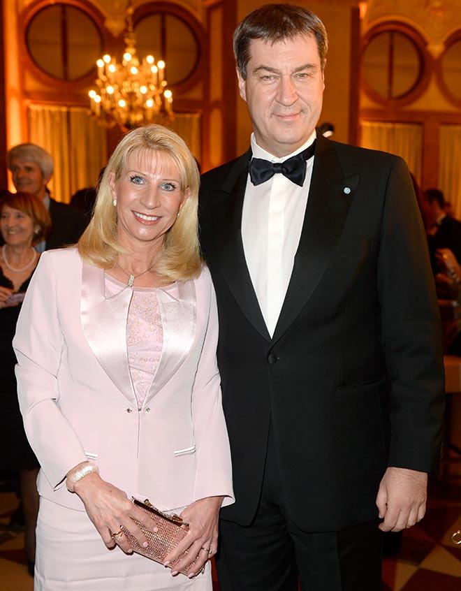 Das 'frisch gebackene' Ministerpräsidenten Ehepaar: Markus Söder mit Frau Fotocredit: Frank Rollitz, SchneiderPress