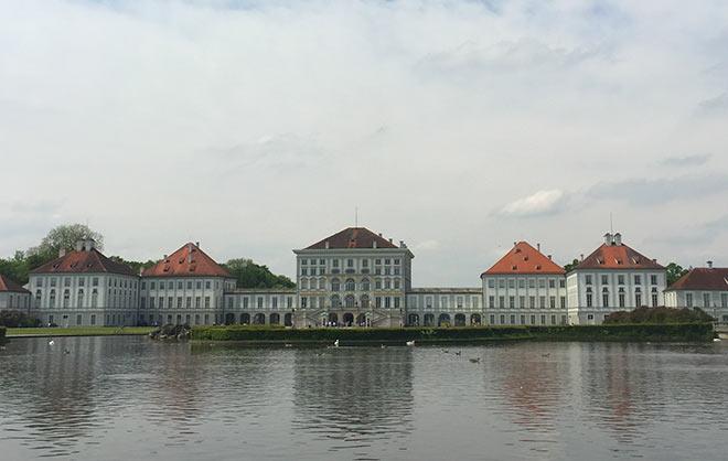 Galerie Mensing stellt auf Schloss Nymphenburg aus