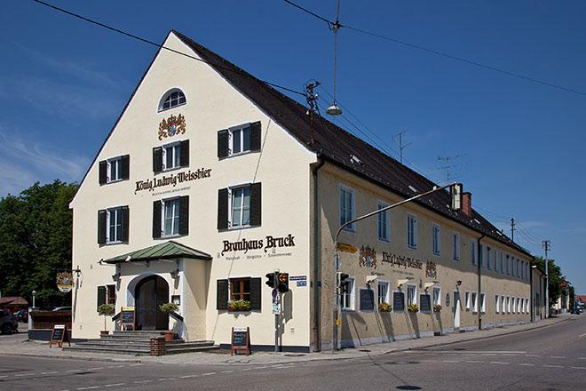 Neuer kulinarischer HotSpot in FFB: Brauhaus Bruck mit großen Biergarten zählt zu den besten Wirtshäuser in München und Umgebung