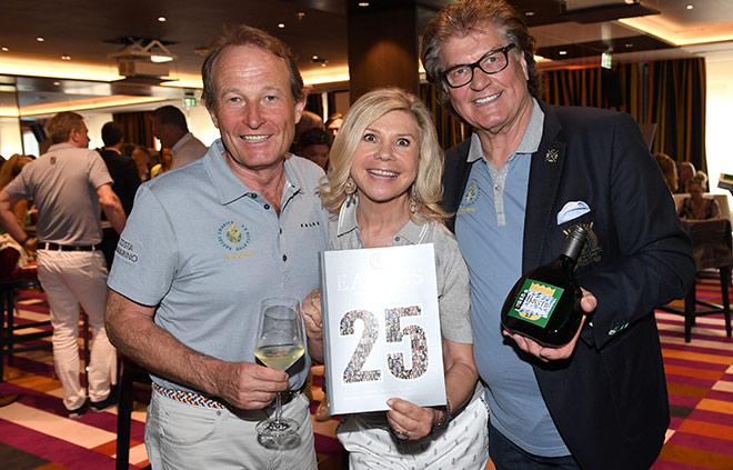Marianne und Michael mit Eagles Charity Golfclub Business Mitglied Peter Heidecker. Fotocredit: Wolfgang Breiteneicher, Schneiderpress