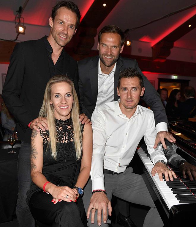 Marc Autmaring (Wempe Weinstraße) freute sich über seine prominenten Gäste wie Sven Hannawald mit Frau und Miroslav Klose. Fotocredit: Frank Rollitz, SchneiderPress