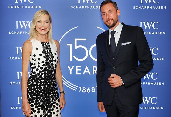 Nina Ruge mit Alexander Schwenck (IWC) in der IWC Munich Boutique. Fotocredit: Franziska Krug, GettyImages