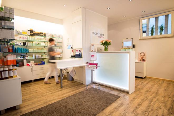 Ob Produkteinkauf oder Beratung - das Kosmetik-Fachgeschäft zur 'Tagesfarm Kosmetik Spa' ist Montag bis Freitag geöffnet.