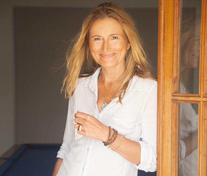 Tamara Comolli lässt die Vielfalt der Kulturen und die Schönheit der Natur in ihre Designs einfließen.