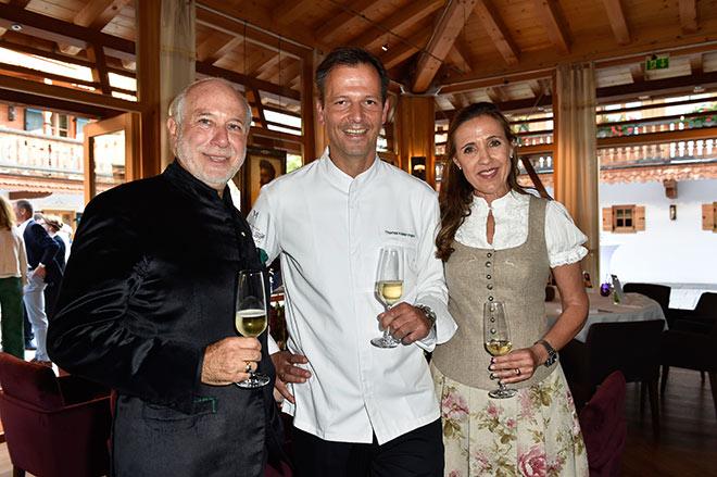 Hotelier Klaus Graf von Moltke mit seiner Frau Susanne holte 2-Sternekoch Thomas Kellermann an den Tegernsee. Fotocredit: Sabine Brauer, BrauerPhotos