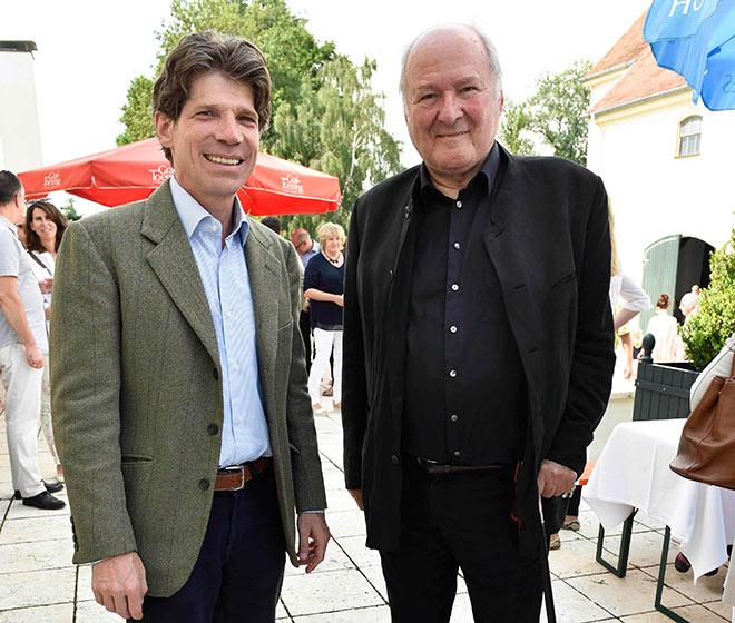 Für Graf Carl-Theodor zu Toerring-Jettenbach und seine zeitgenössische Kunst Ausstellung kam sogar Claus Hipp zur Vernissage. Fotocredit: Sabine Brauer, BrauerPhotos