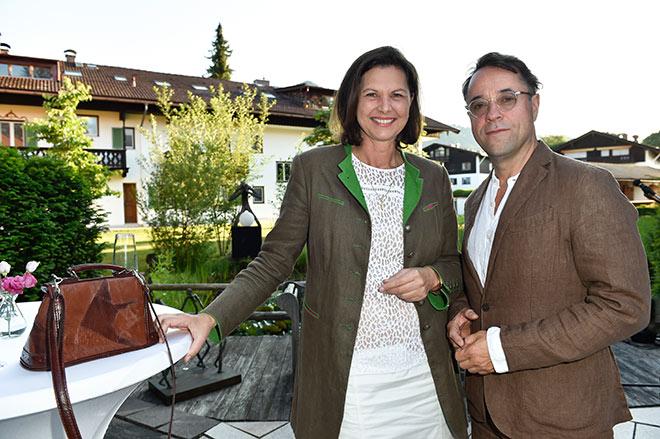 Ilse Aigner mit Schauspieler Jan-Josef Liefers. Fotocredit: Sabine Brauer, BrauerPhotos