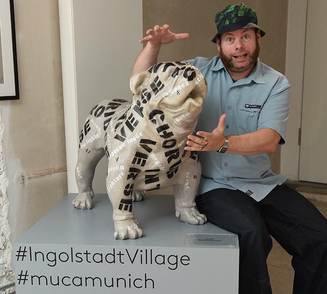 Aktueller Neuzugang im MUCA Museum! Wie findet Ihr den Kunst-Hund? Fotocredit: G. Nitschke, BrauerPhotos