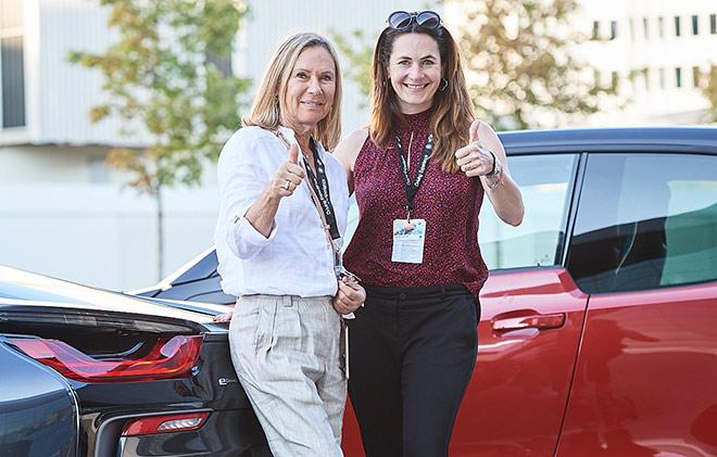 BMW Ladies Day Teilnehmerinnen mit exklusiven Fahrertraining
