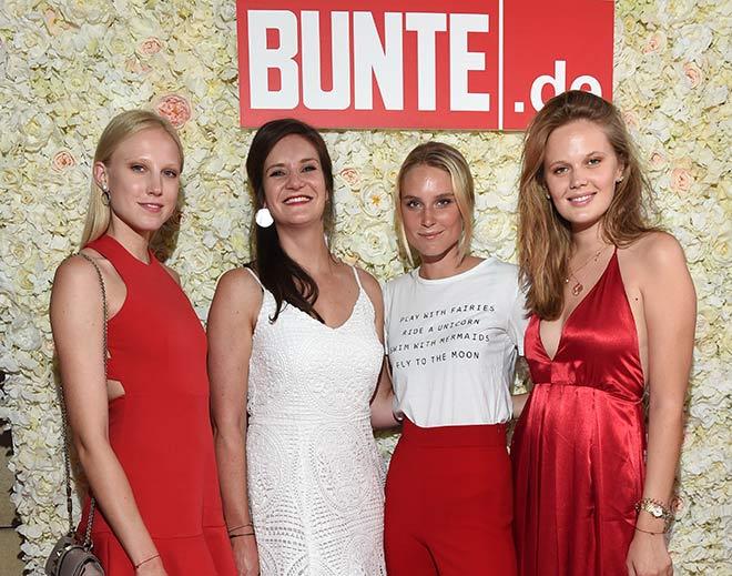 Bunte.de Chefredakteurin Julia Bauer mit ihren Gästen. Zu ihrer Rechten: Kim Hnizdo, (GNTM 2016). Fotocredit: G. Nitschke, BrauerPhotos