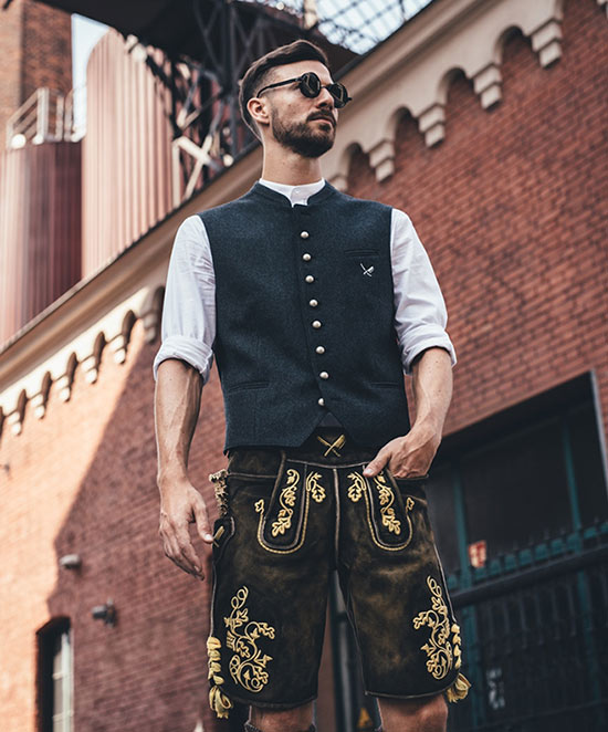 rste Streetwear-Tracht von distorted people. Fotocredit: Philippe Arlt Photodesign