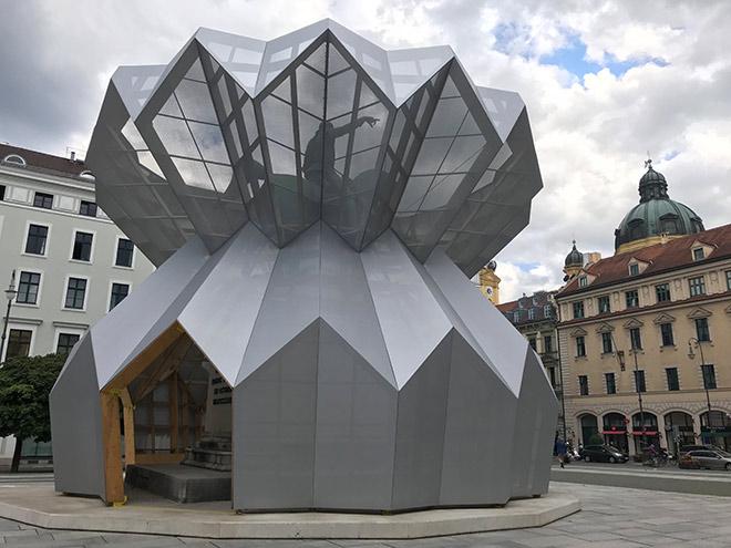 Kunst im öffentlichen Raum: #withyouwhatever