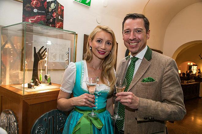 Natalie Knauf mit Hotel-Direktor Wolfgang Putz. Fotocredit: Wild Fotos