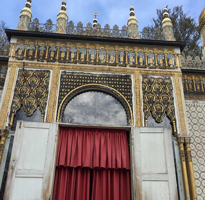 Marokko mitten in Bayern: Der Maurische Kiosk ist ein Pavillon im Schlosspark von Schloss Linderhof