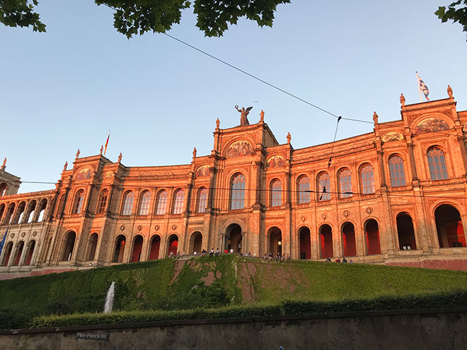 Im Bayerischen Landtag werden die Bayern Wahlergebnisse 2018 besonders auf die Waagschale gelegt!