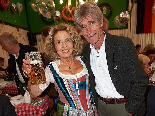 Michaela May mit Ehemann Bernd Schadewald. Foto: People Picture / Jens Hartmann