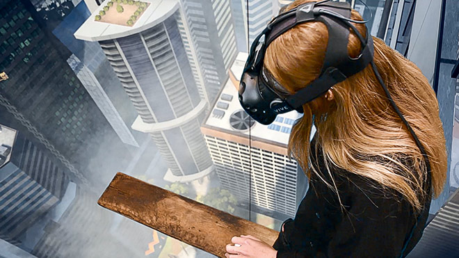 Toast VR (Richard Eastes, Toni Eastes, Daniel Todorov) Richie's Plank Experience, 2017 Virtual Reality/Unity3D/Holzplanke © Toast VR