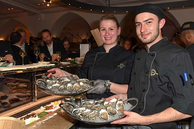 Austern und Champagner: Mega Party für die Dallmayr Foodhall. Foto: BrauerPhotos / S.Brauer fuer Dallmayr