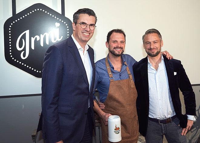 Wolfgang Greiner (Mandarin Oriental Group), Felix Oberthür und Michael Wagner (Munich ) lieben bayerische Küche, Fotocredit: Fabian Vogl
