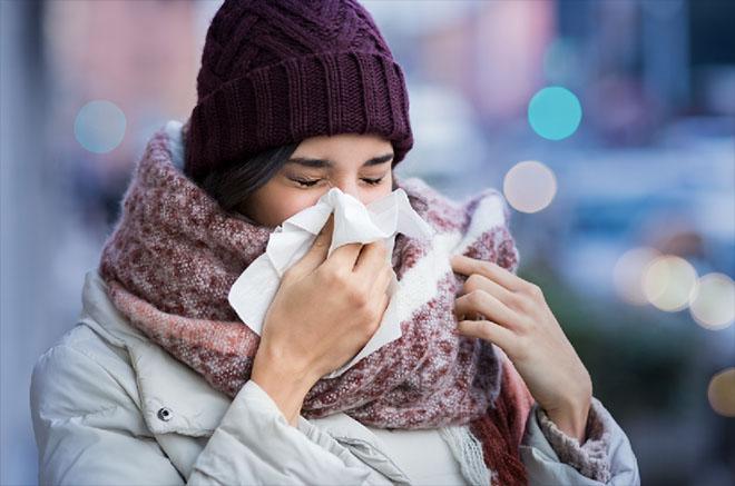 Gerade wenn eine Erkältung im Anflug ist, sollte man schnell handeln. Fotocredit: Rido / Adobe Stock 171305121