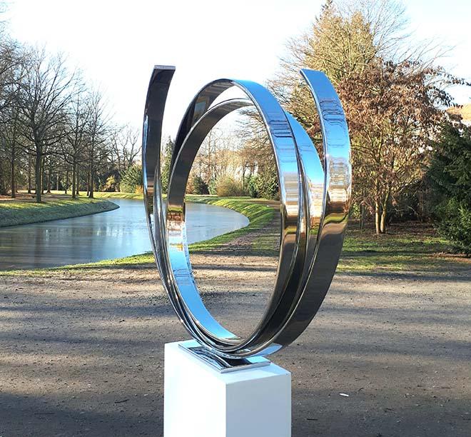 Kunstwerk 'Orbit' von Kuno Vollet. Fotocredit: ARTMUC