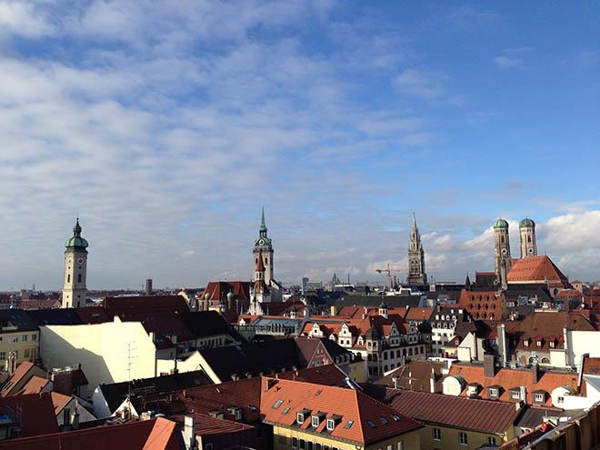 Münchens Makler sind sich einig, dass der Büroimmobilienmarkt nur weiter wachsen kann, wenn zusätzliche Wohnflächen geschaffen werden.
