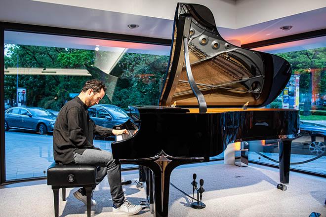 Starpianist Igor Levia machte als erster Künstler den Steinway Showroom zum Artists' Living Room! Fotocredit: Lennart Preiss/Getty Images