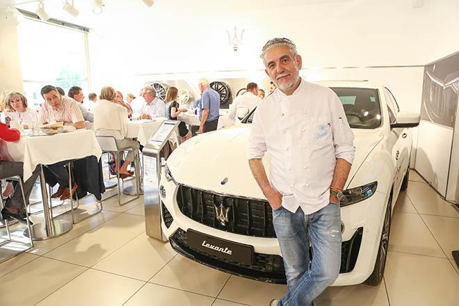 Sternekoch Mario Gamb kochte für einen Abend im Maserati Showroom am Odeonsplatz auf. Genussreisen mit Maserati